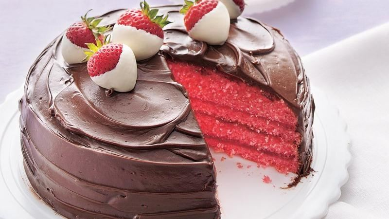 CHOCOLATE COVERED STRAWBERRY CAKE!!