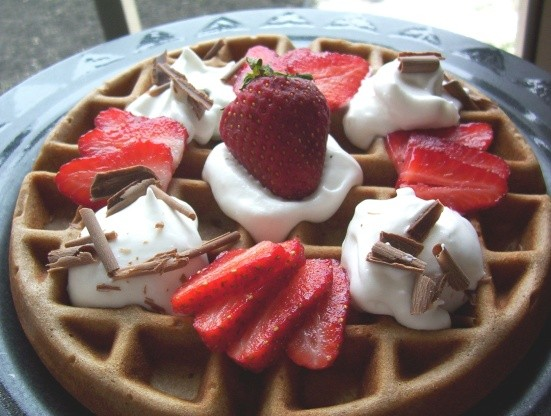CHOCOLATE STRAWBERRY WAFFLES!!