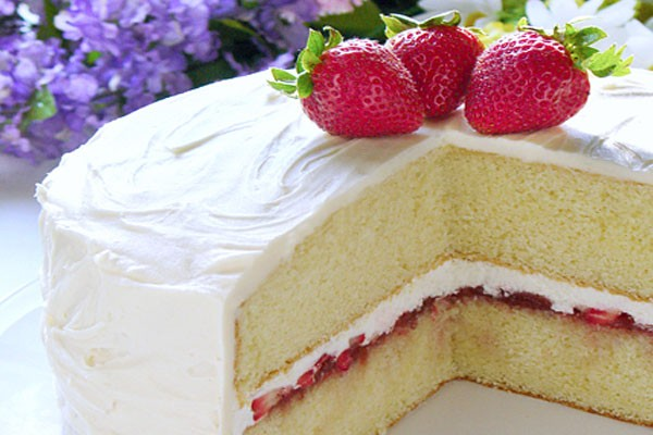 Strawberries & Cream Cake!!!