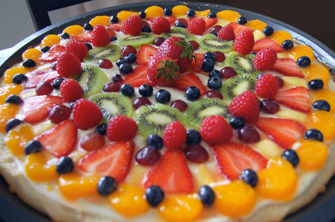 SUMMER DESSERT PIZZA!!