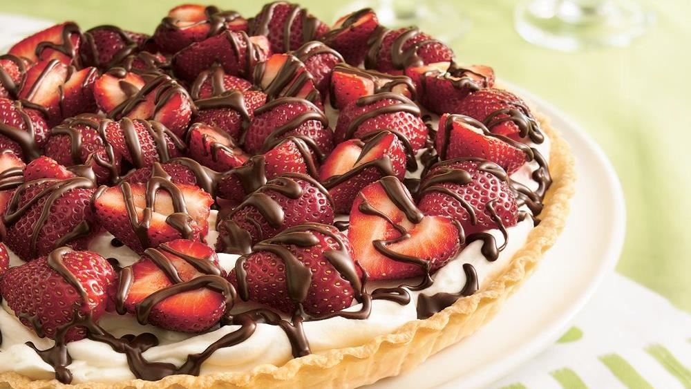 STRAWBERRIES & CREAM TART!!