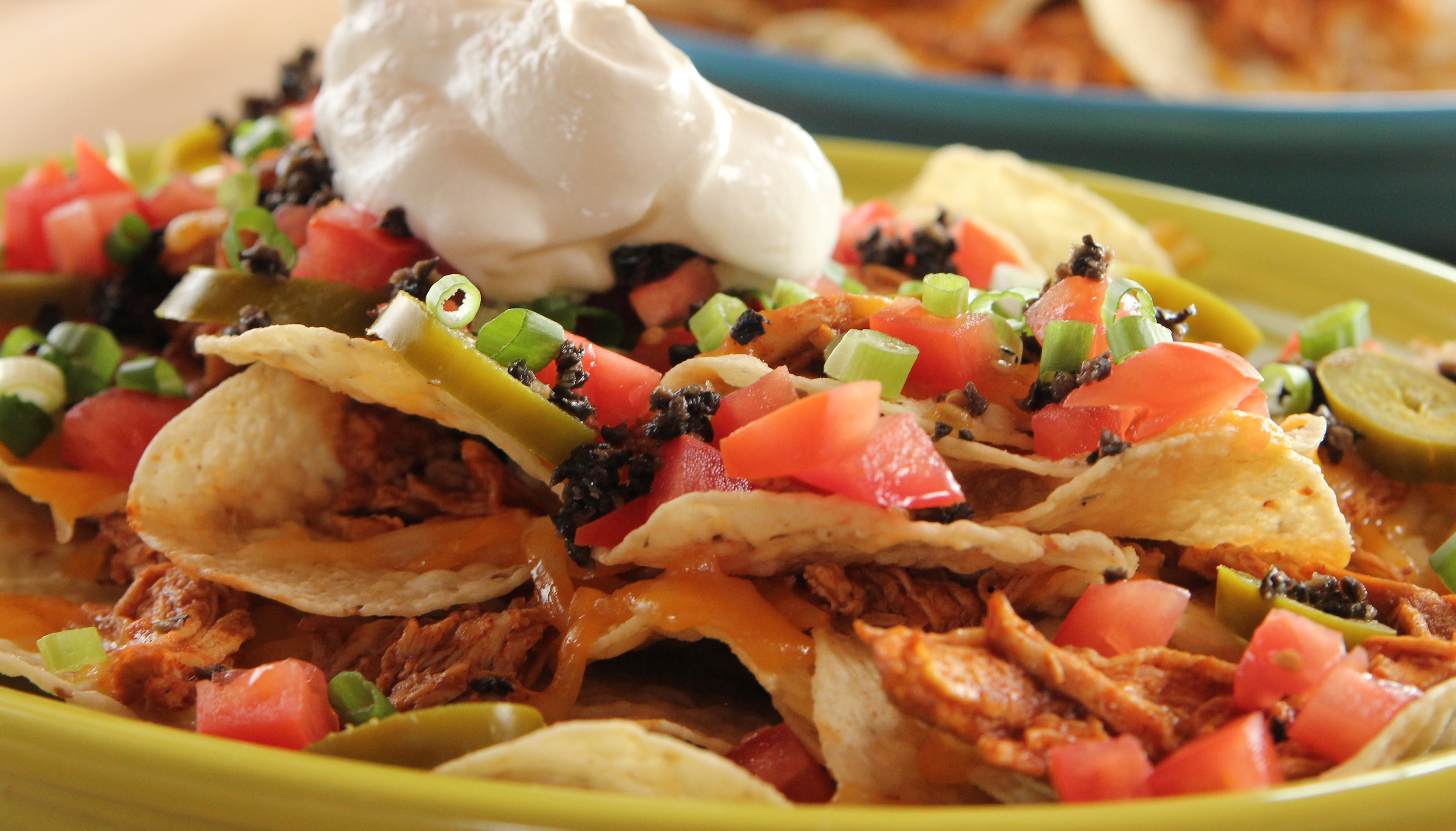 FULLY LOADED CHICKEN NACHOS!!