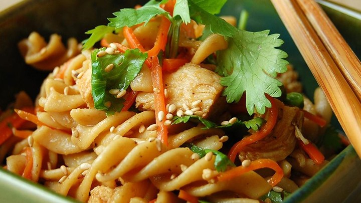 SESAME PASTA CHICKEN SALAD!!