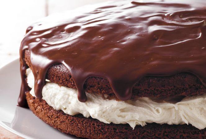 WONDERFUL WHOOPIE CAKE!!