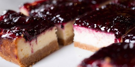 AWESOME BLACKBERRY CHEESECAKE SQUARES!!