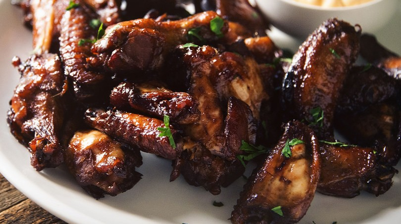 SLOW COOKER THAI SWEET CHILI WINGS!!