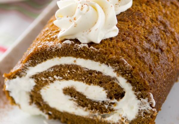 GINGERBREAD CAKE ROLL w/ EGGNOG WHIPPED CREAM!!