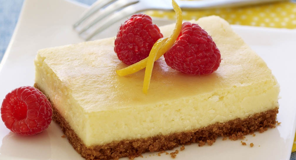 LEMON CHEESECAKE BARS!!
