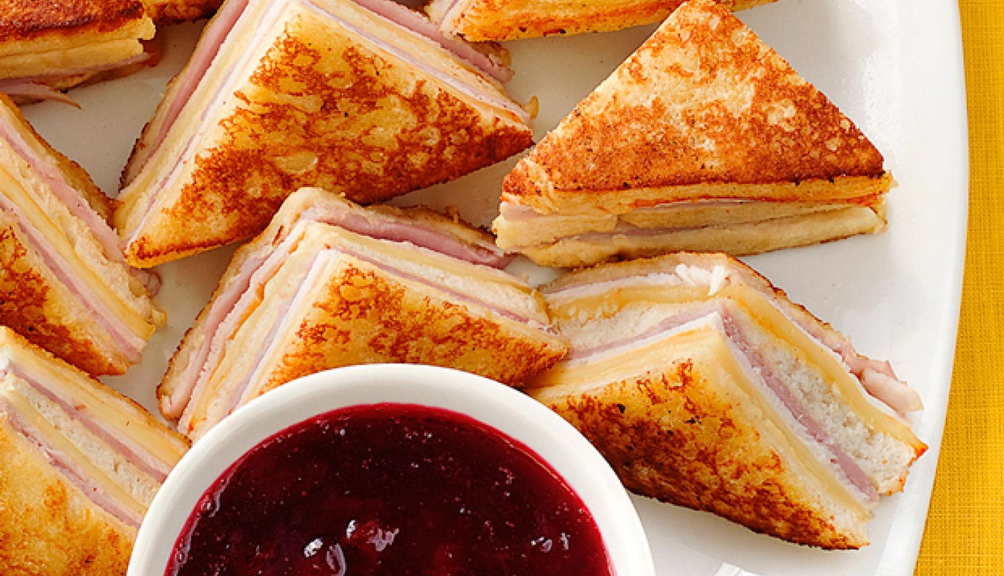 EGGNOG MONTE CRISTO SANDWICHES!!